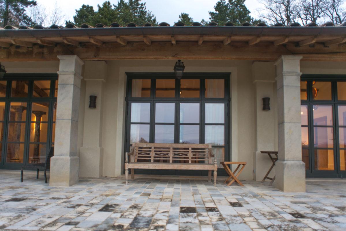 terrasse de la maison hotes à divajeu